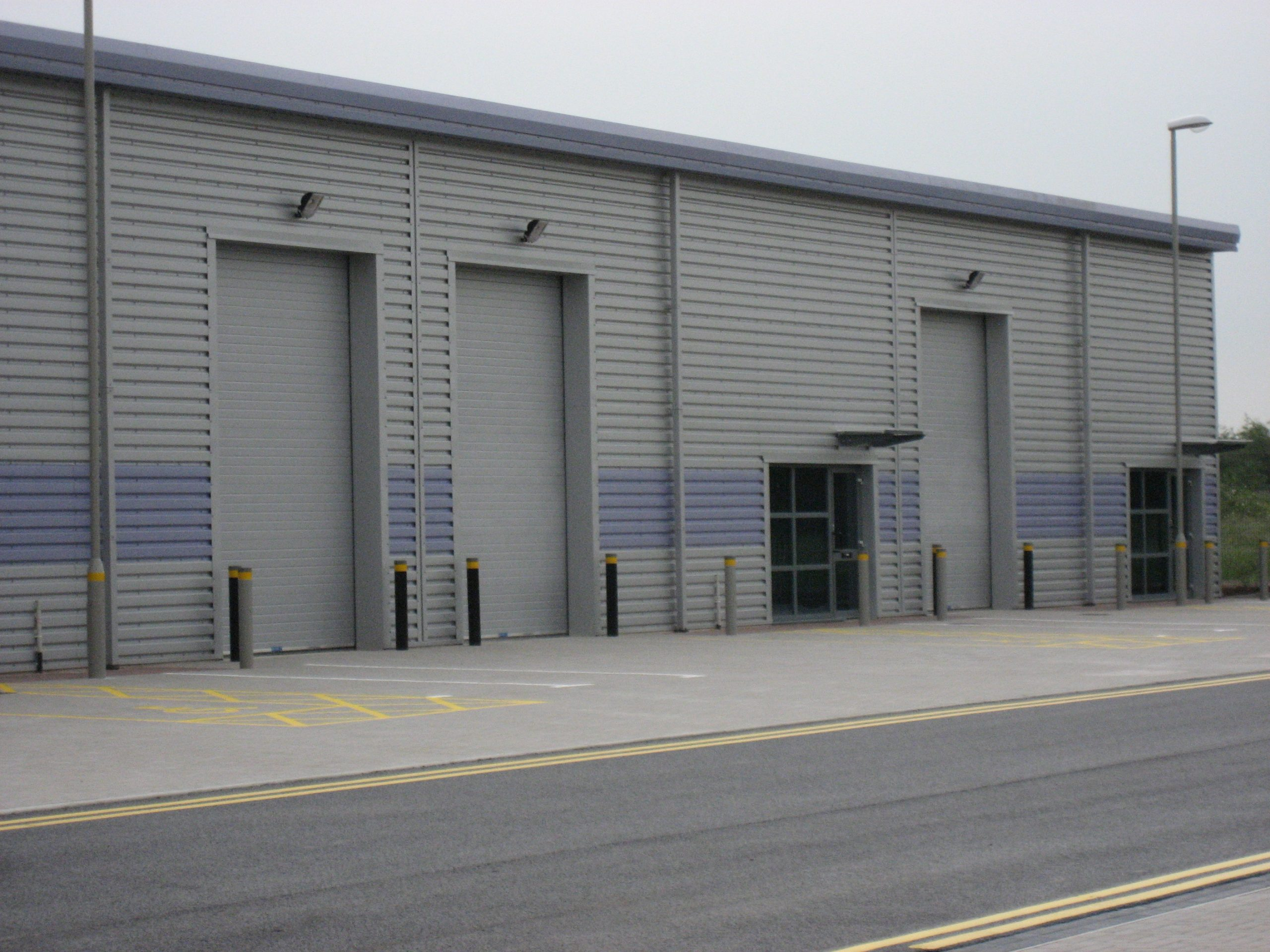 Tilbury Docks - Installation of sectional doors